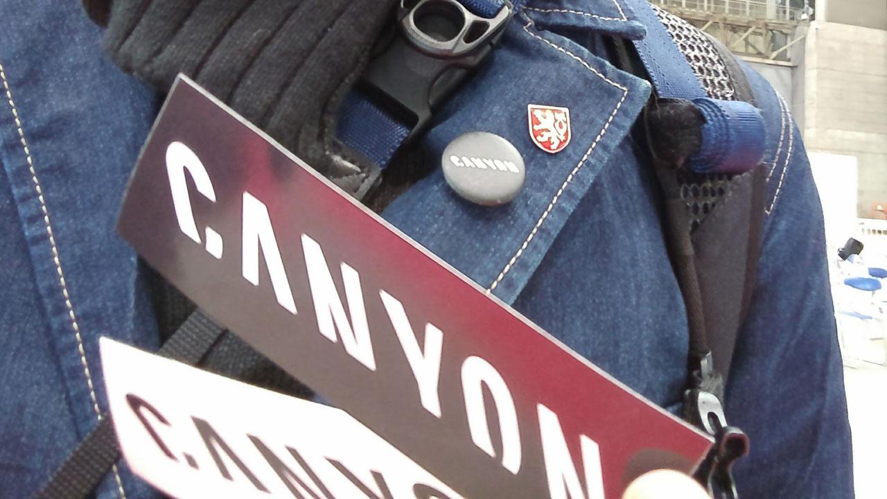 サイクルモード2016行ってきました。CANYONブースで缶バッジやステッカーゲット!