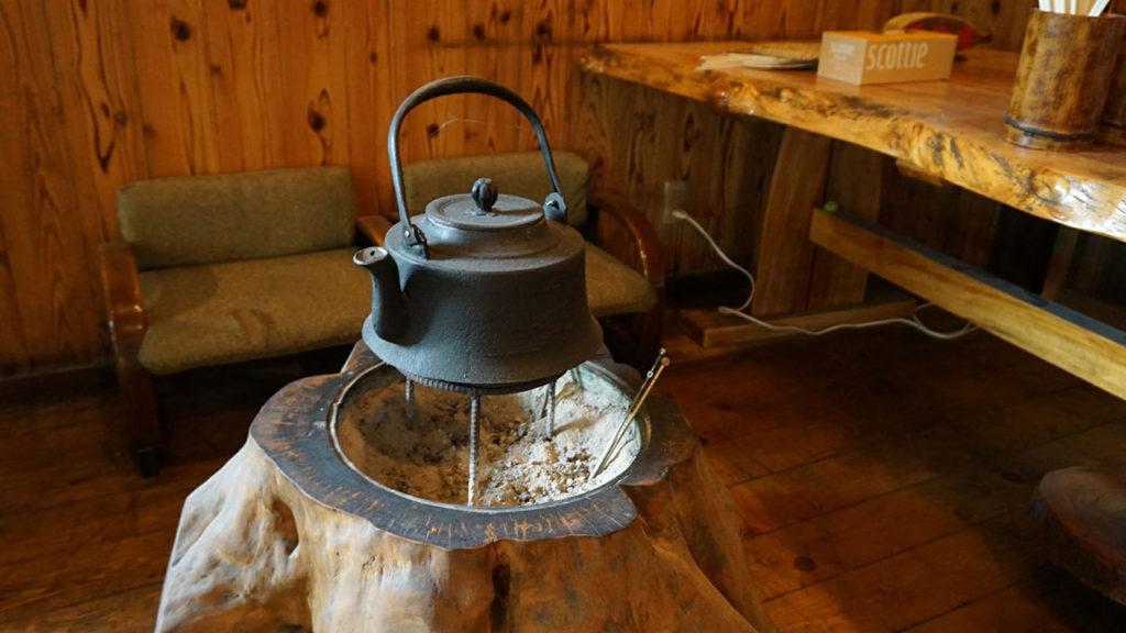 いろりの宿 七里川温泉さんの囲炉裏がある座敷