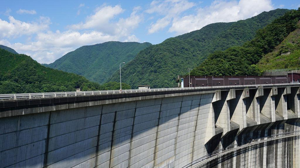 超巨大な五十里ダム