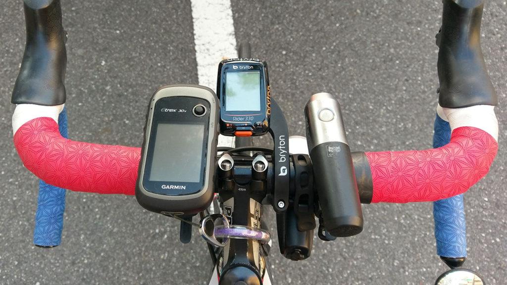 左についているのが自転車ナビeTrex30x