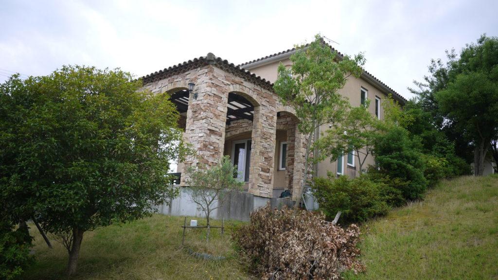 浜名湖の北東部には様々な様式の高級住宅