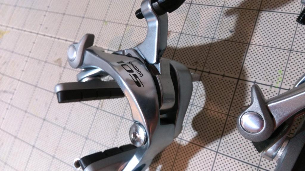 マット加工がしてあり、金属の質感が出ています